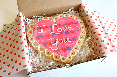 Giant-heart-cookie